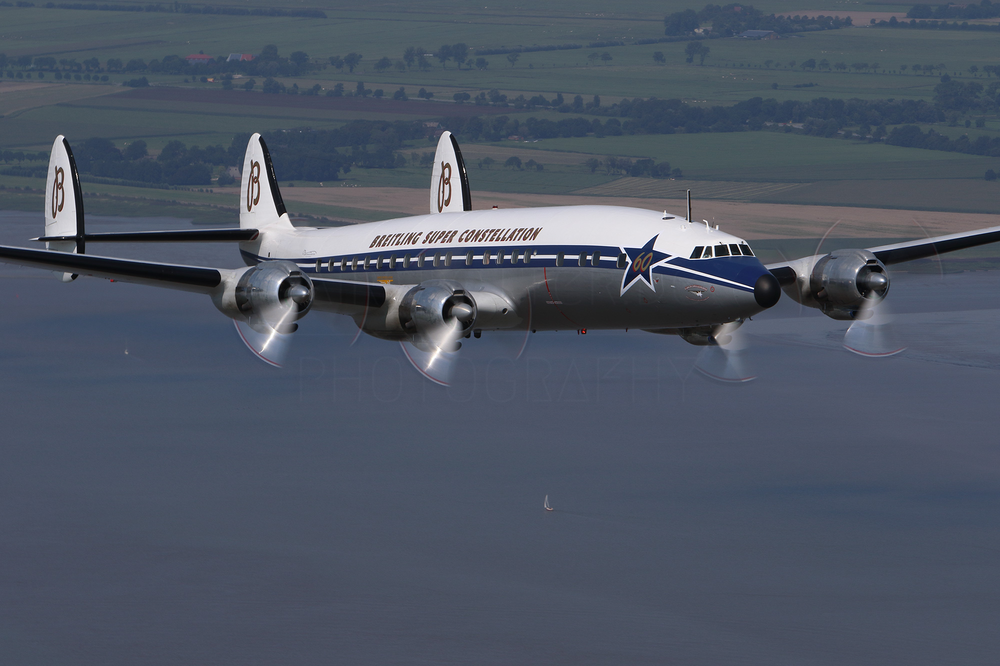 Airspotter.de 2015 Breitling Lockheed Super Constellation closeup